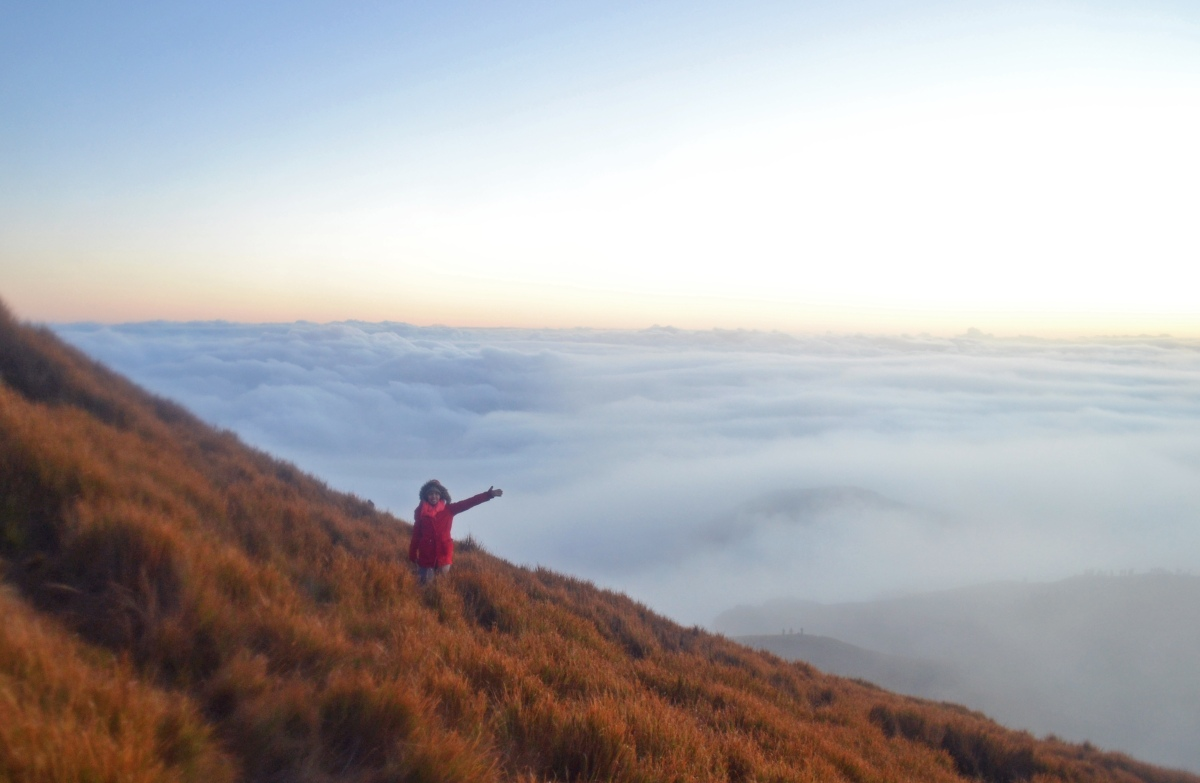 Overnight Hike to Mt. Pulag via Akiki-Ambangeg Traverse